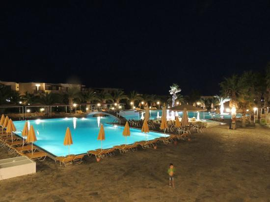 Atlantica Porto Bello Beach: the pool at night