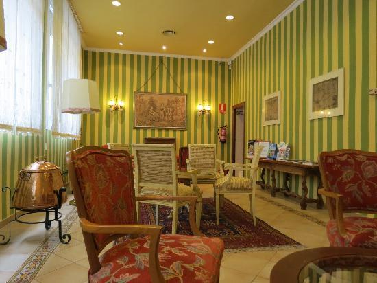 Regencia Colon Hotel: Hotel Lobby