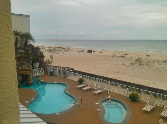 BEST WESTERN on the Beach: From our 2nd floor balcony