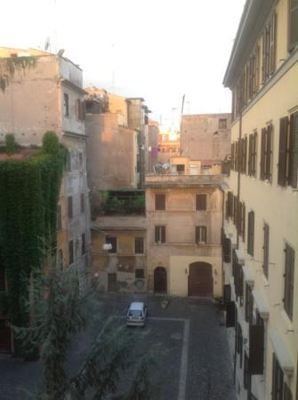 Trianon Borgo Pio Residence: Aussicht aus unserem Hotelzimmer