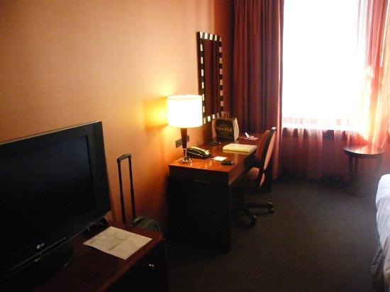 Hampton Majestic Chicago Theatre District: our room...
