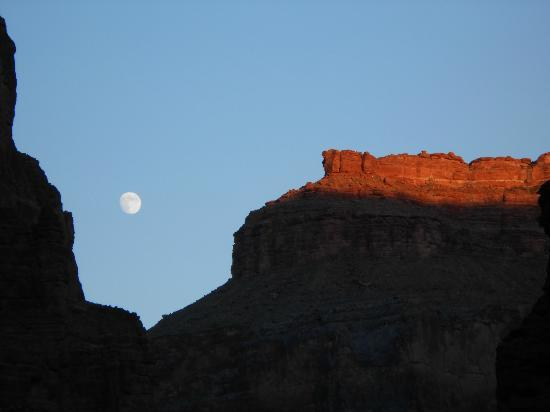 Outdoors Unlimited Grand Canyon Rafting: Moon Coming Up as Sun Sets over Lower Canyon