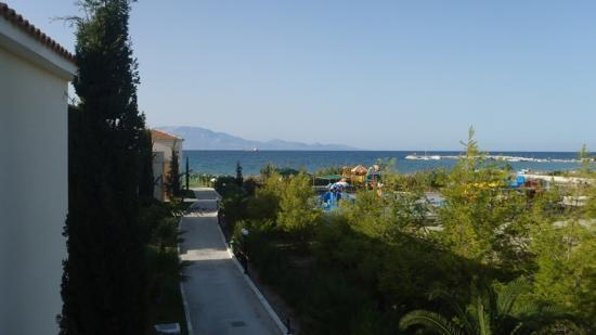 Alykanas Village Hotel: veiw from back door