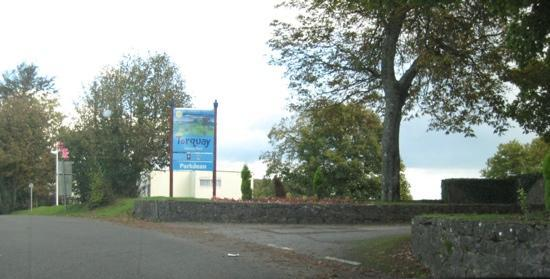 Parkdean - Torquay Holiday Park: Roadside main entrance