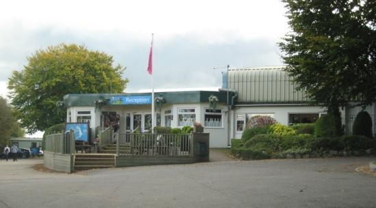 Parkdean - Torquay Holiday Park: Clubhouse and Reception