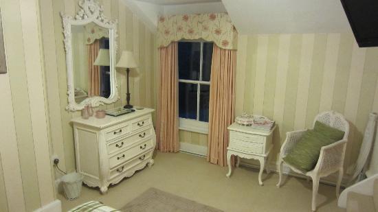 Trinity Hall Bed & Breakfast: My son's bedroom
