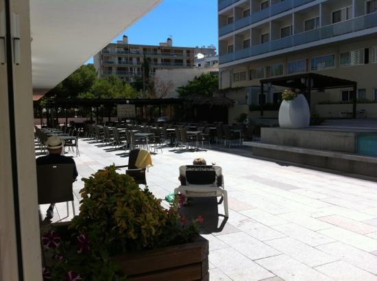4R Playa Margarita Hotel: entertainment area