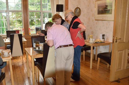 Fernroyd House B&B: Tony Assisting with Sightseeing Recommendations