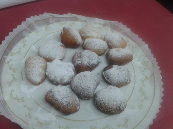 Casa Candido: Empanadillas dulces de crema o de chocolate