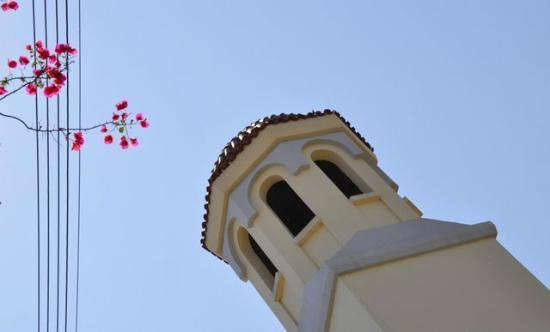Aquila Porto Rethymno: Many beautiful churches in the city close to the hotel, and always blue sky