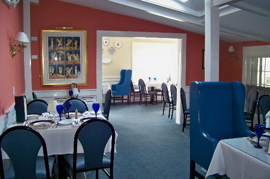 The Ebb Tide: One of 5 dining rooms