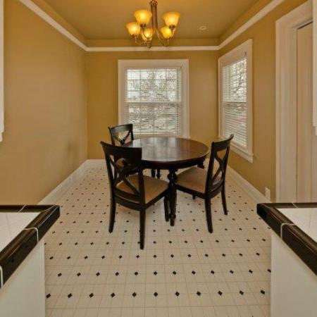 Nantucket Inn: Breakfast Nook