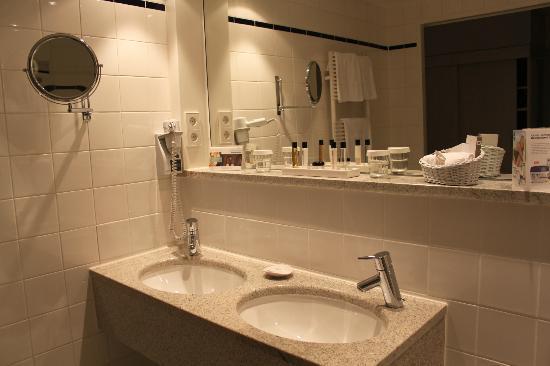 Hotel Stadt Freiburg : Baño