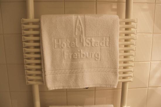 Hotel Stadt Freiburg: Baño