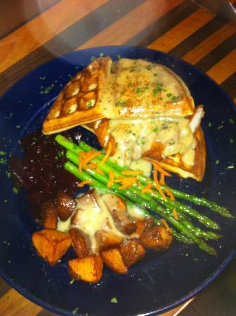 West End Pub: Chicken and waffles