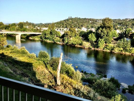 Holiday Inn Express Roseburg: Great views off the room balcony.