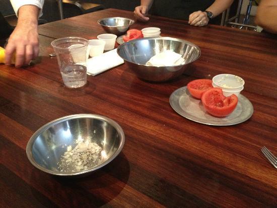 700 Kitchen Cooking School : Food preparation