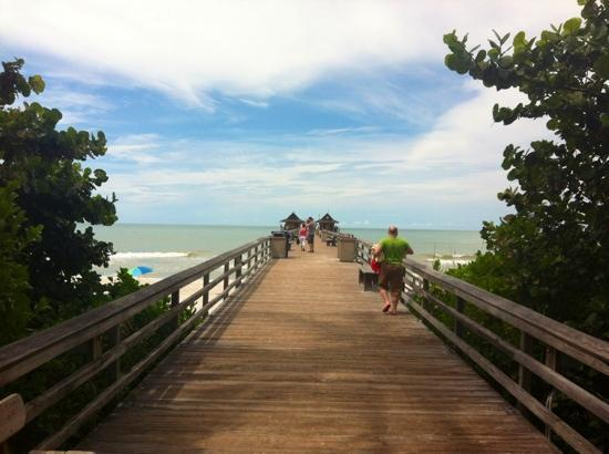 Bellasera Resort: Naples Pier