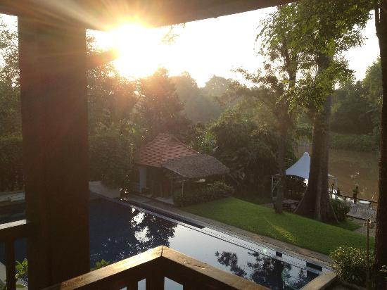 Lanna Dusita Boutique Resort by Andacura: Early morning sunrise view from room balcony