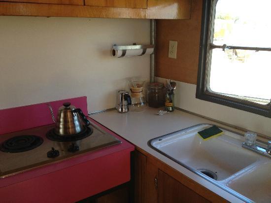 El Cosmico: Kitchen