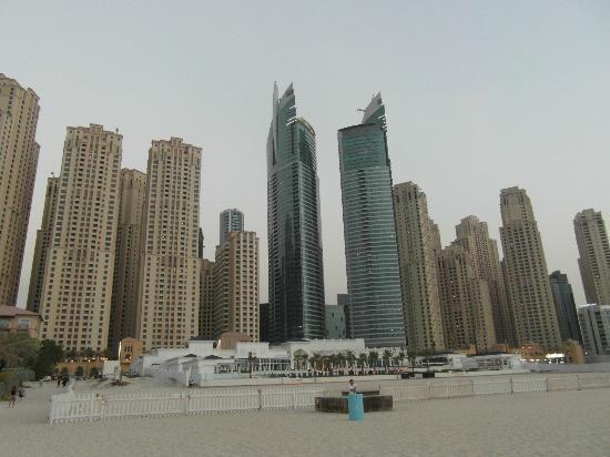 JA Oasis Beach Tower: vista dell'oasis dalla spiaggia