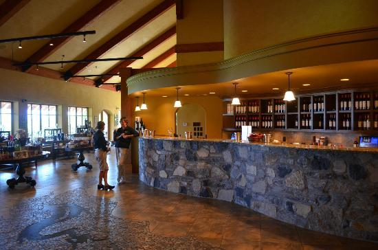 Wine Tours Gone South: Hester Creek Tasting Room