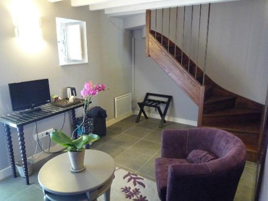 Domaine de Bel Air Carpe Diem: Our room, living room