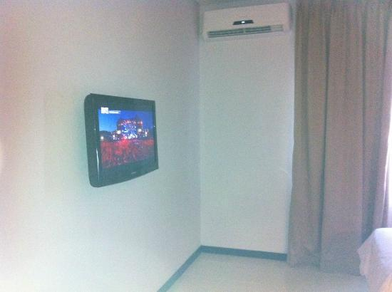 Praja Hotel Bali: TV