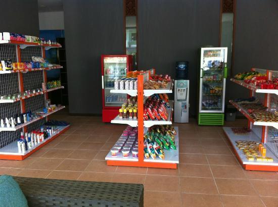Praja Hotel Bali : Counter