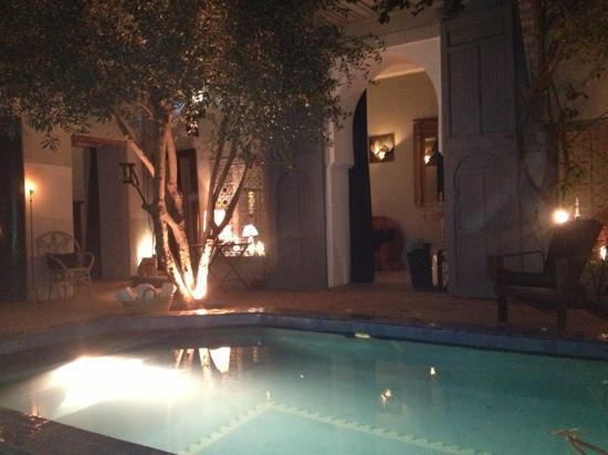 Riad Medea: Riad un soir d octobre