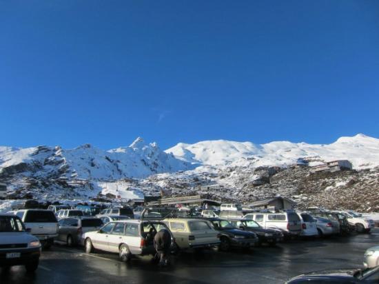 Whakapapa Ski Area: 駐車場からの景色