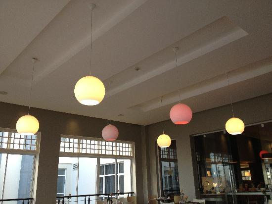 Eka Hotel Nairobi: Lightings