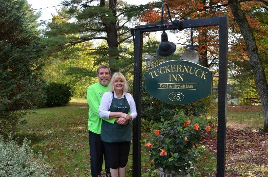 The Tuckernuck Inn: Donna and Kim