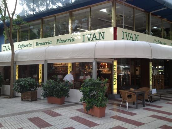 Ivan Cafeteria: fachada Cafeteria Ivan