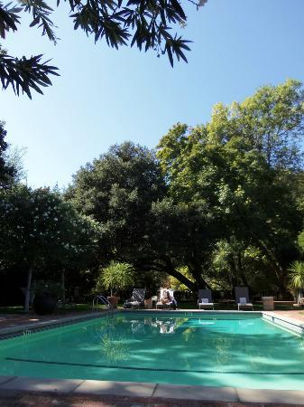 Gaige House, A Four Sisters Inn: pool area