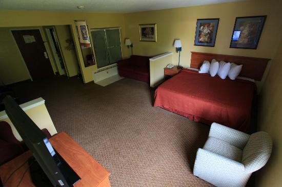 Hotel M, Mount Pocono: Room 205