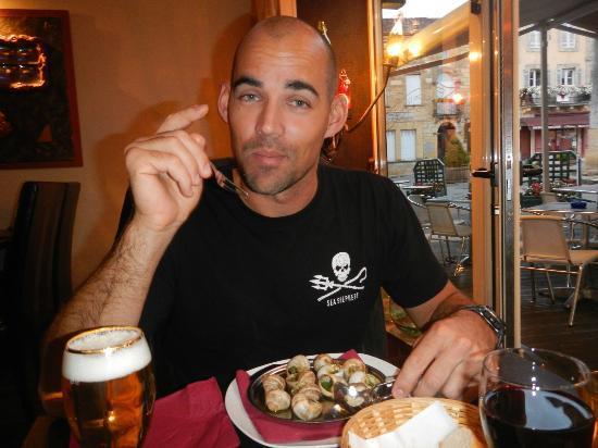 Restaurant L'Envers : Enjoying my first go at Escargot!!