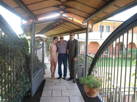 """Hotel Residence Il Chiostro : Ponte no jardim interno do """"Chiostro"""""""