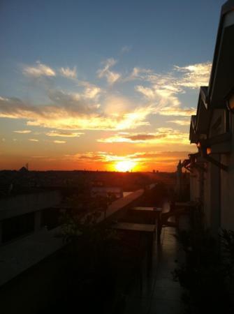 Adahan Istanbul: sunset adahan terrace