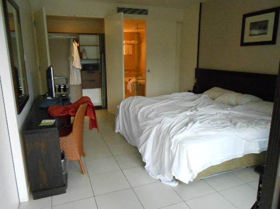 Bedroom Of One Bedroom Suite What All Basic Essentials Picture Of Radisson Blu Resort Fiji Denarau Island Viti Levu Tripadvisor