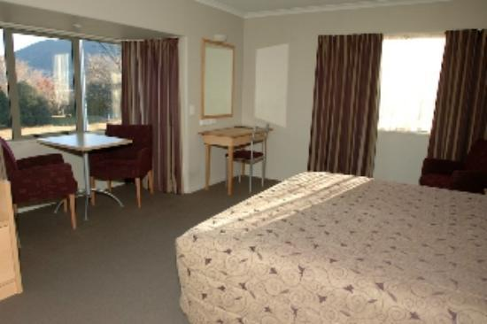 Queenstown Motel Apartments: Interior Lakeview Room