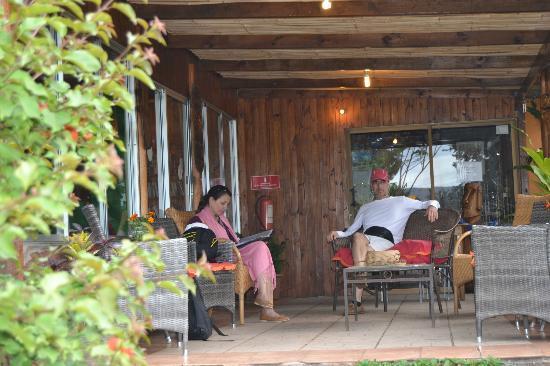 Taura'a Hotel: Lobby y entrada al comedor