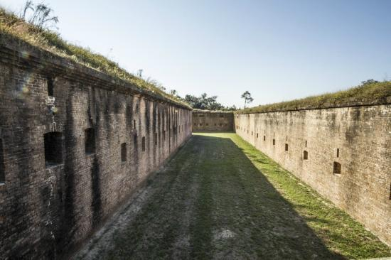 Fort Barrancas: Dry moat