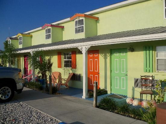 cedar key chat rooms Room 36 queen bed with shower room rates weekday rate $120 weekend $145 availability.
