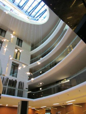 DoubleTree by Hilton Istanbul - Old Town: quiet rooms facing the lobby
