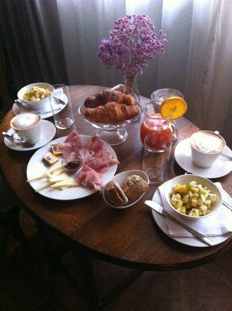 CimaRosa: The breakfast