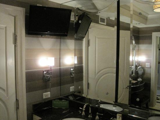 The Palazzo Resort Hotel Casino: King Suite bathroom tv!
