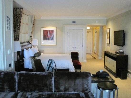 The Palazzo Resort Hotel Casino: King suite room