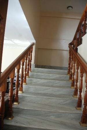 Hotel Family Home: way to your room