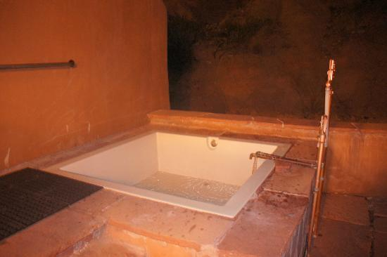 Ojo Caliente Mineral Springs Resort and Spa: Cliffside suite - pool in back